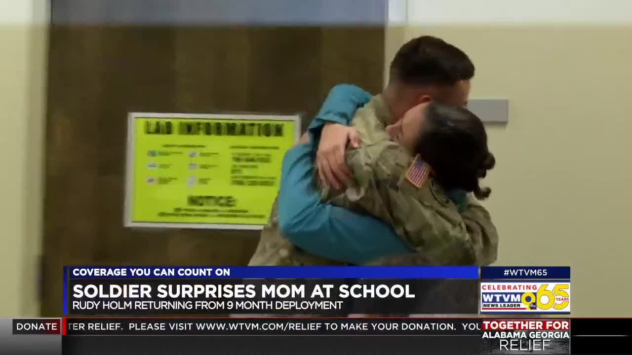 Soldier returns from deployment, surprises mother in class