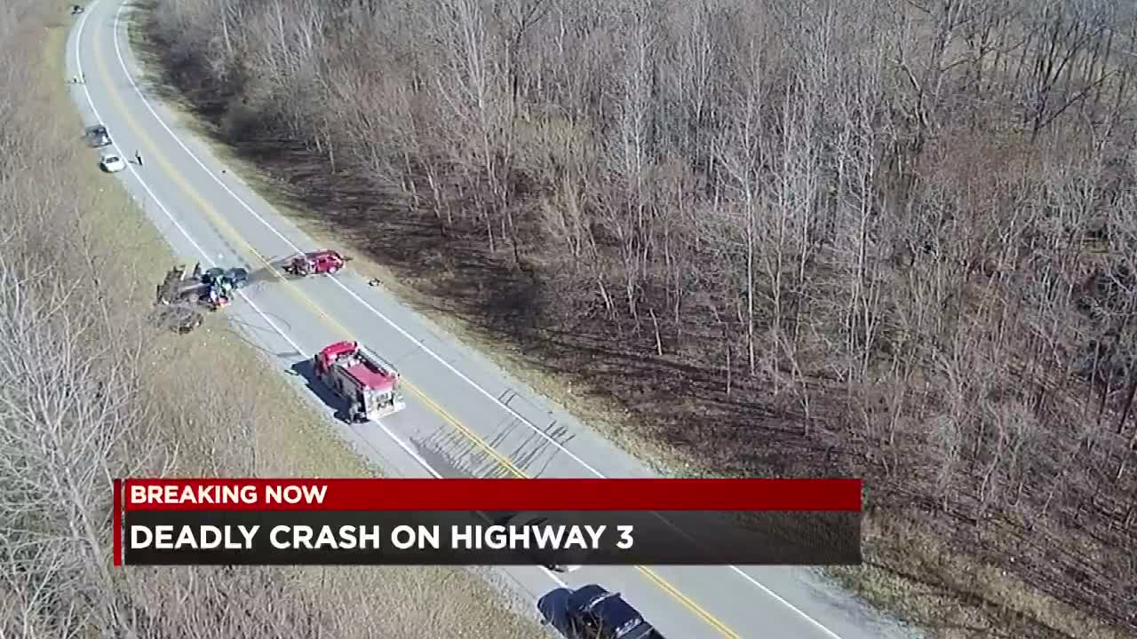 Adult, 1-year-old confirmed dead after crash on Rte  3 at Thebes, IL
