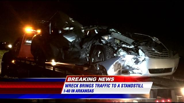 Traffic moves again after bad crash on I-40 in Arkansas