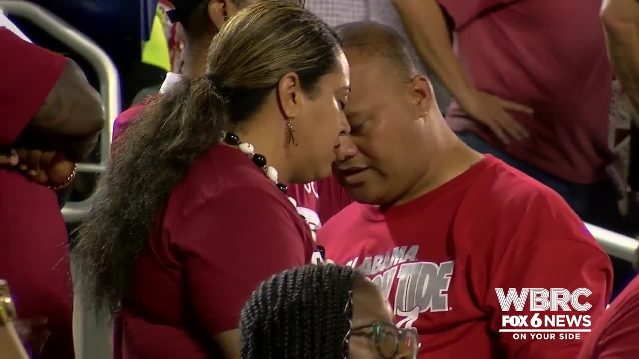 Video Tua Tagovailoa S Parents React To His First Start At Qb