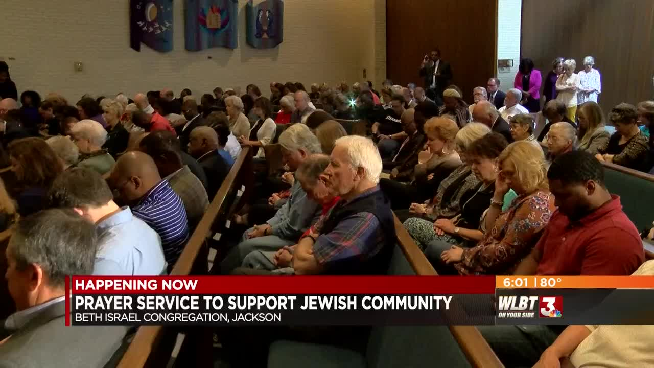 Local group holds time of prayer to support Jewish community