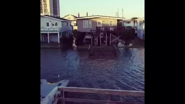 Video Extremely High Tide Floods North Myrtle Beach Streets For