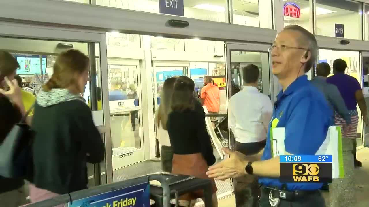 Lines Already Forming At Baton Rouge Stores Ahead Of Black Friday