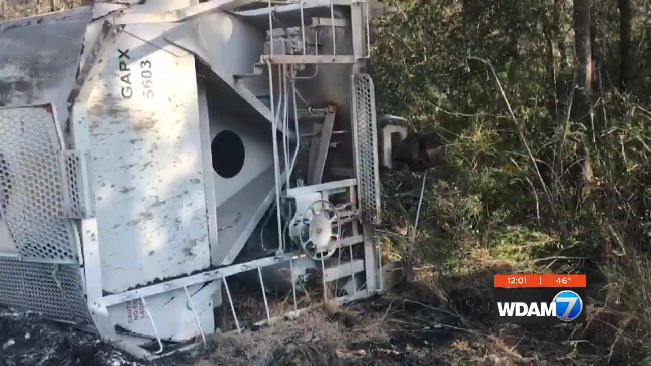 Cleanup continues after truck vs  train crash in Lamar Co