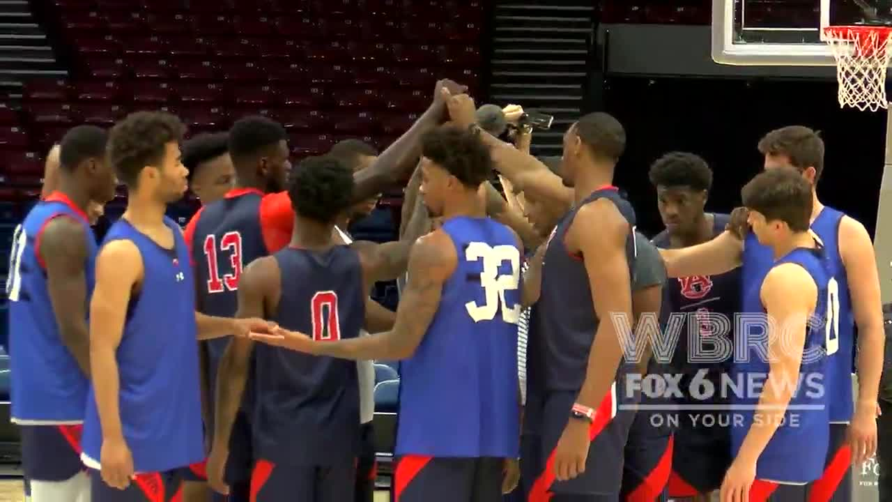 Auburn S 2nd Year To Play In The Mike Slive Invitational In